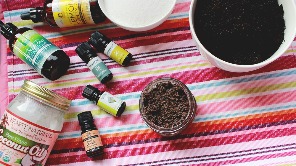 DIY coffee scrub // stephanieorefice.net