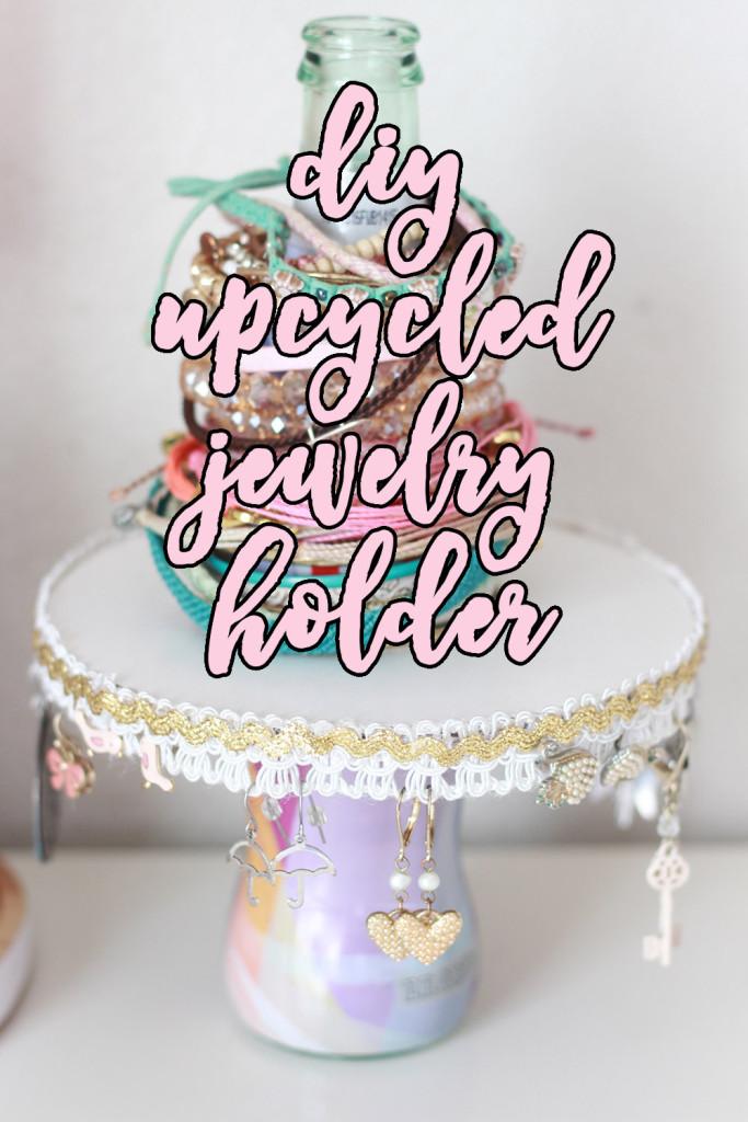 DIY upcycled jewelry holder // stephanieorefice.net
